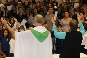 Missa no Colégio - Maio (57)